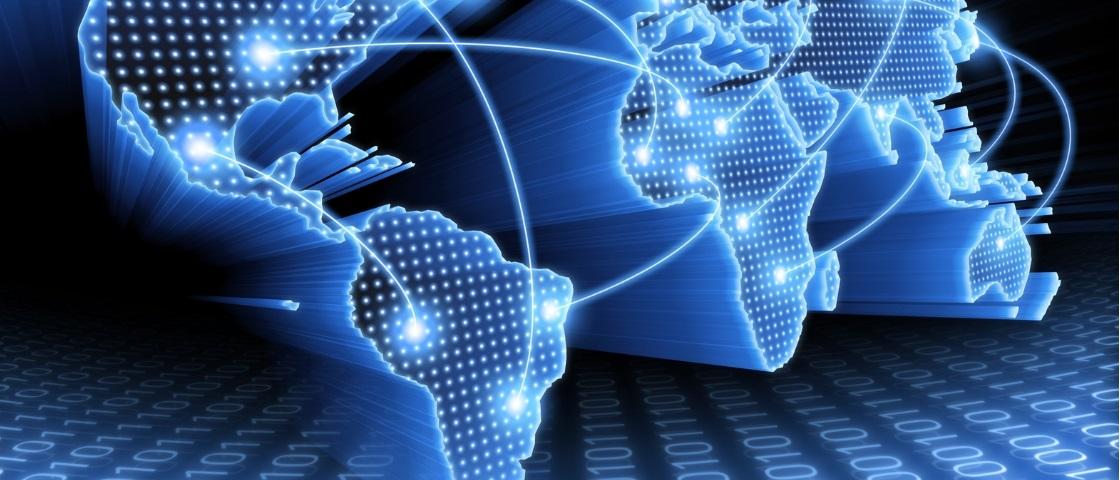 Brasileiros estão diminuindo o tempo na internet a partir de PCs e laptops