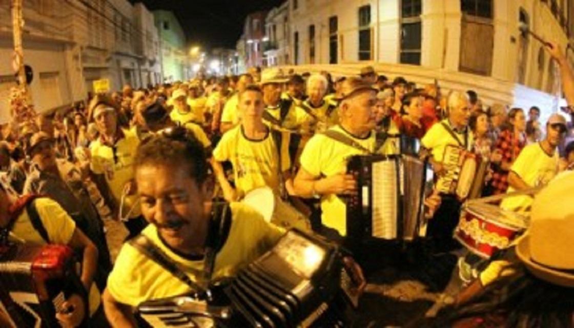 Resultado de imagem para Festejos juninos do Recife forrozeiros