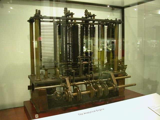 Máquina Analítica (Fonte da imagem: Wikimedia Commons)