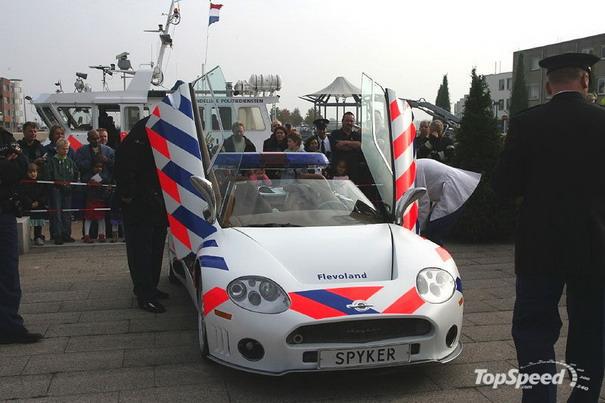 Pega ladrão: os carros de polícia mais alucinantes do mundo 9874091222182225