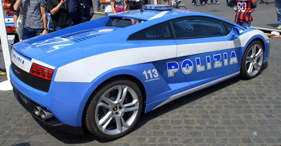 Pega ladrão: os carros de polícia mais alucinantes do mundo 9874091222182321