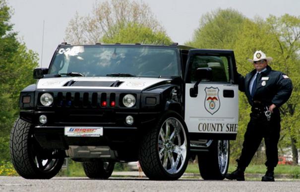 Pega ladrão: os carros de polícia mais alucinantes do mundo 9874091222182355