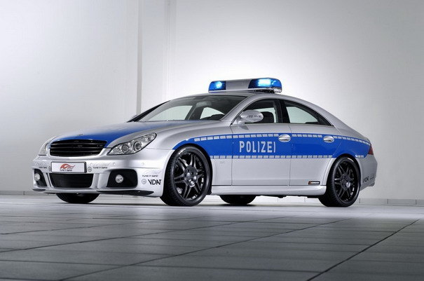 Pega ladrão: os carros de polícia mais alucinantes do mundo 9874091222182555