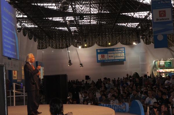 Michio Kaku, um dos criadores da teoria das cordas, esteve na Campus Party Brasil 2012