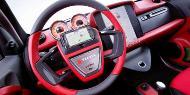 Conceito permite que você conecte o celular diretamente no volante do carro