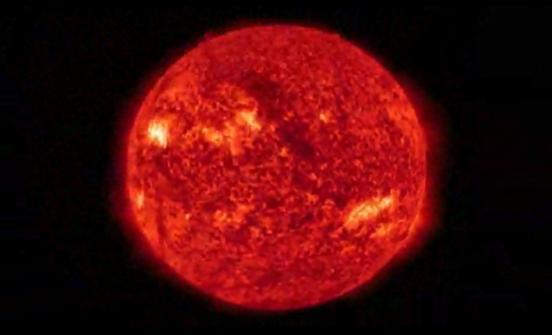 Mancha gigante pode provocar nova tempestade solar