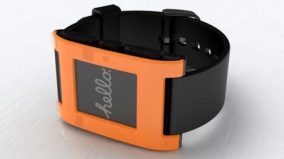 Lançamento do relógio inteligente Pebble é adiado