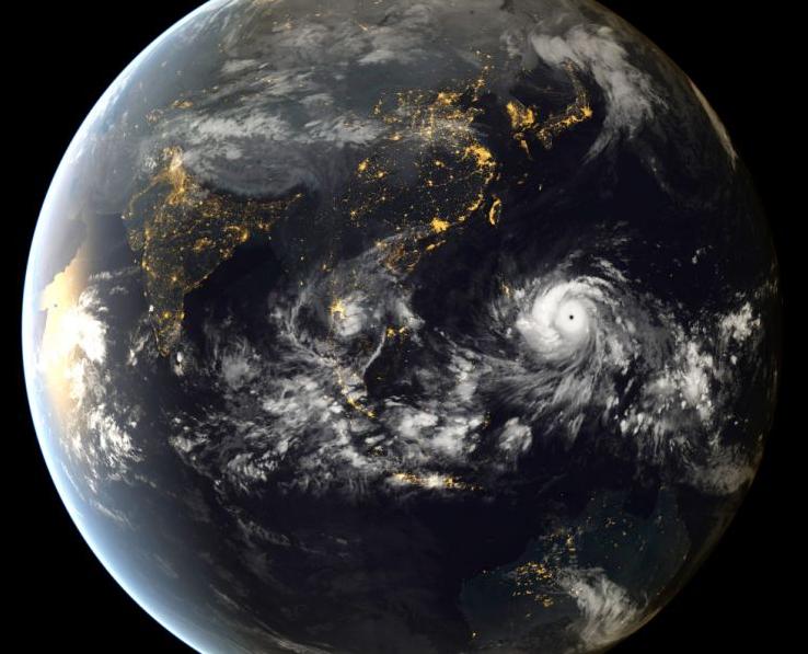 Imagens revelam a dimensão e a força do supertufão Haiyan
