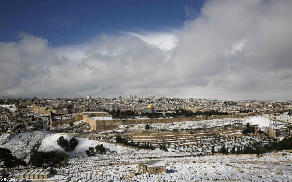 Neve cai no Egito pela primeira vez em mais de 100 anos