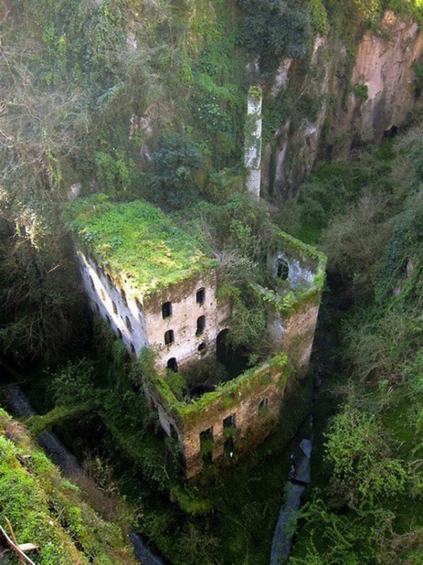 Os 33 lugares abandonados mais lindos  do Planeta