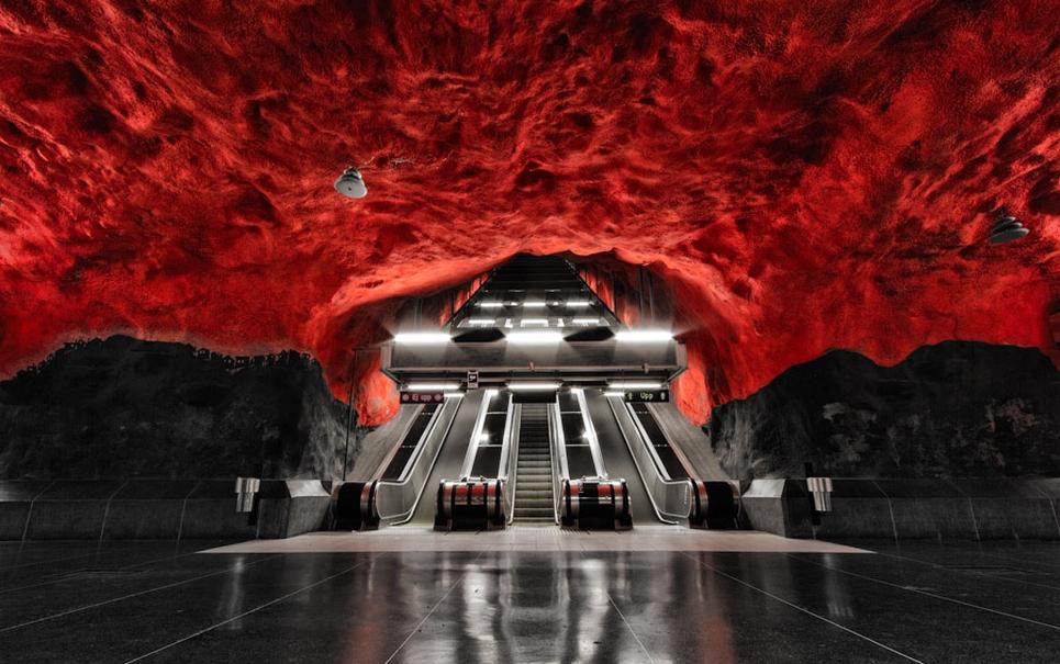 Conheça as incríveis estações do metrô de Estocolmo [galeria]