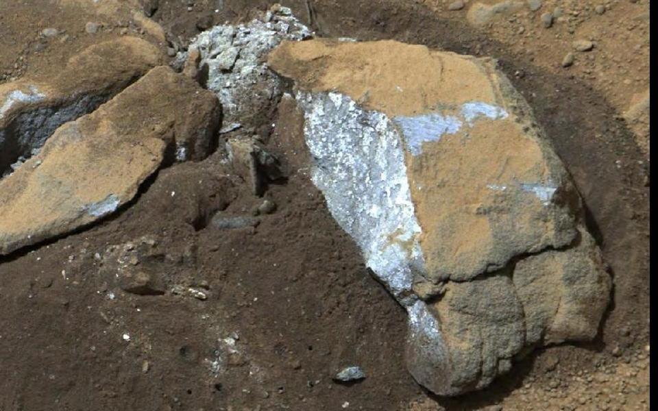 Encontrada nova evidência da existência de água em Marte