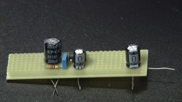 Área 42 - Como fazer um amplificador de som portátil [vídeo]