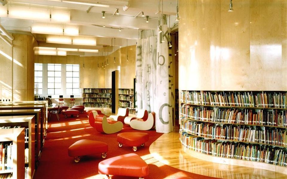 """As 8 bibliotecas mais incríveis e """"brincáveis"""" ao redor do mundo"""