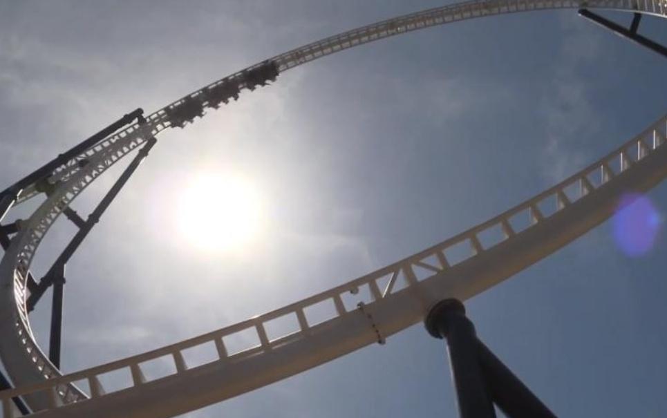 Conheça a montanha-russa com o loop mais alto do mundo [vídeo]