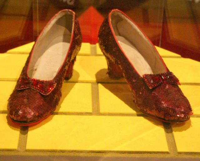 4066566553185251 Has pensado cómo sería su vida si los zapatos no existieran?