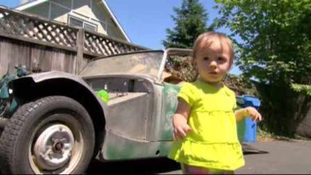 Menina de 1 ano compra carro no eBay por acidente