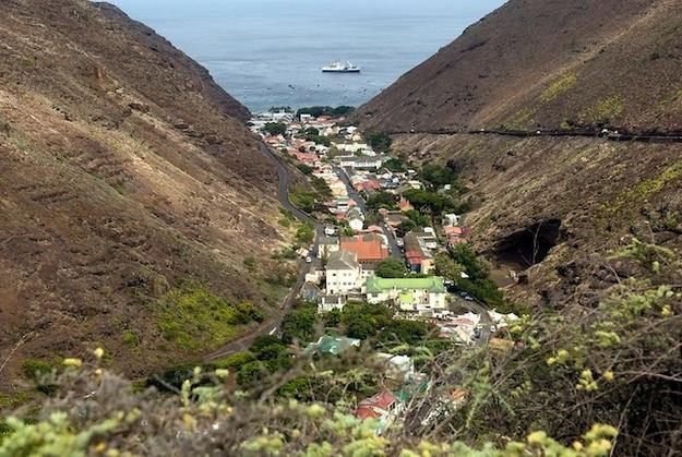 5 lugares que você não vai querer visitar,Ilha de Santa Helena