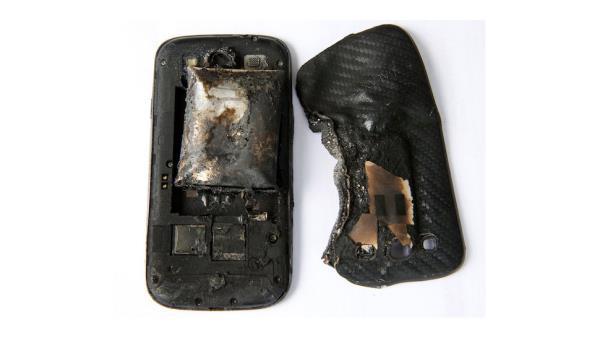 Galaxy S3 explode e causa ferimentos graves em jovem