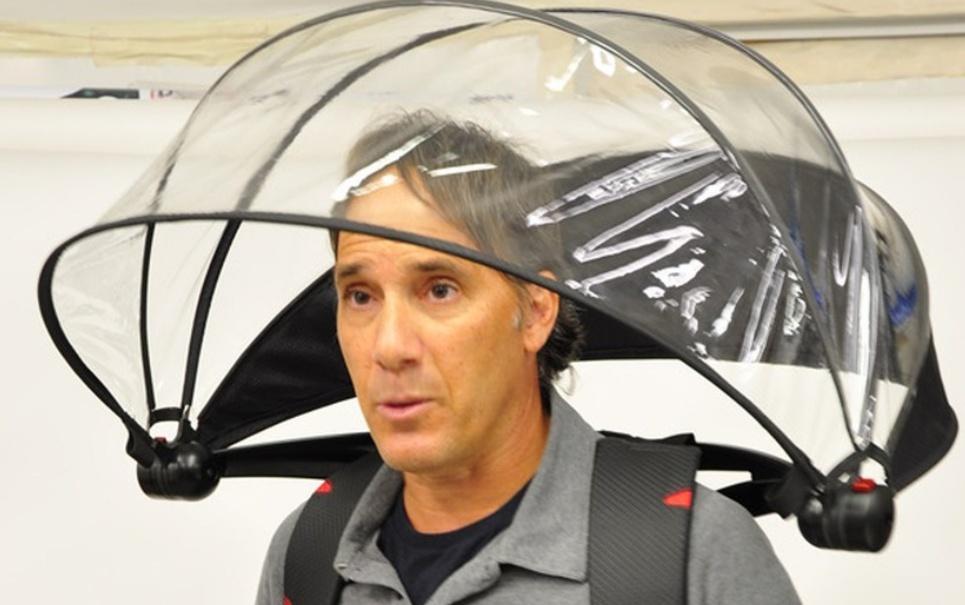 Conheça o guarda-chuva sem cabo. Será que essa moda pega?