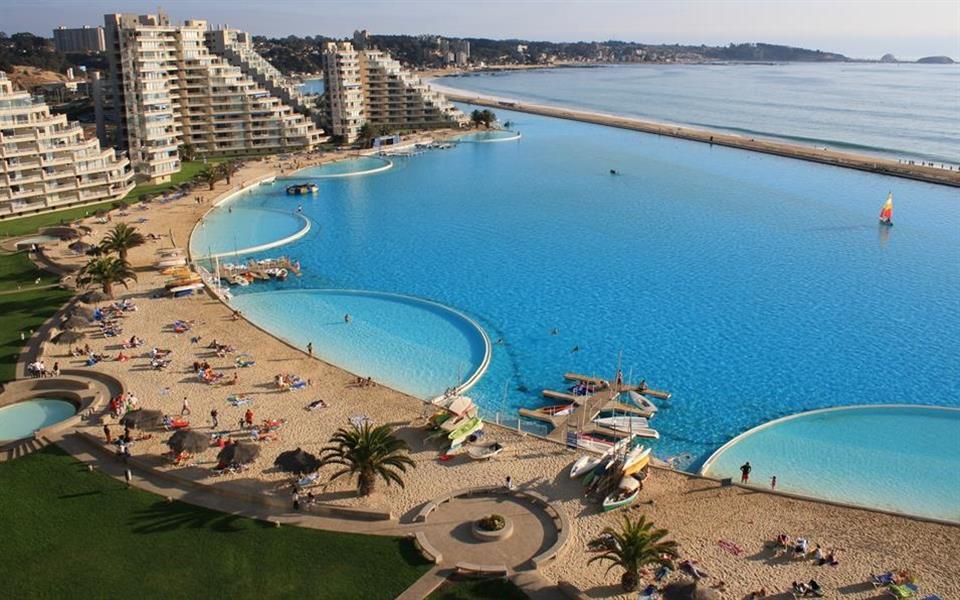 Confira algumas das piscinas mais impressionantes do planeta