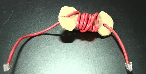 10 formas de manter os cabos dos eletrônicos organizados em casa [vídeo]