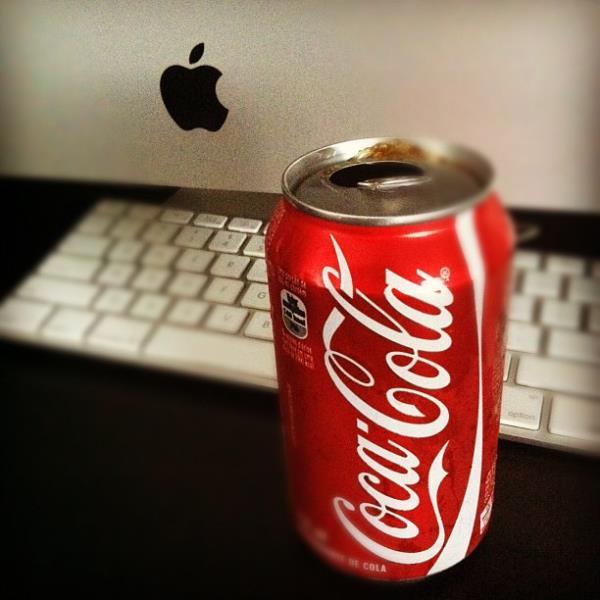 Apple passa a Coca-Cola e é a marca mundial mais valiosa do ano
