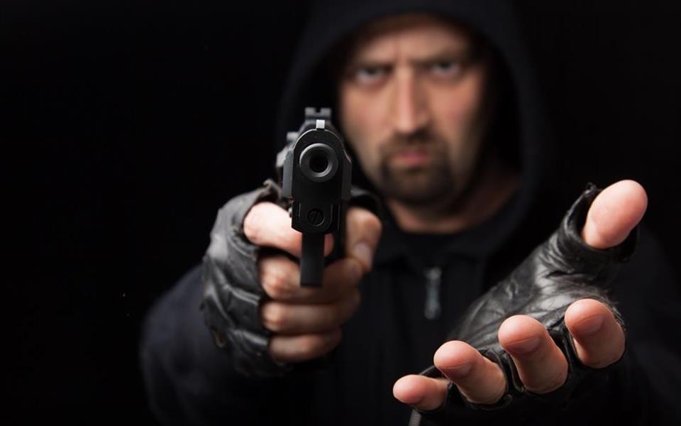 Veja 8 vídeos de assaltos que felizmente deram errado para os bandidos