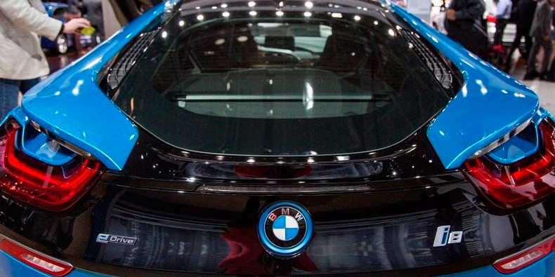 Conhe�a os 11 ve�culos mais caros do New York Auto Show