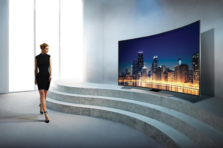 Samsung lança a primeira TV 4K com tela curva a chegar ao Brasil