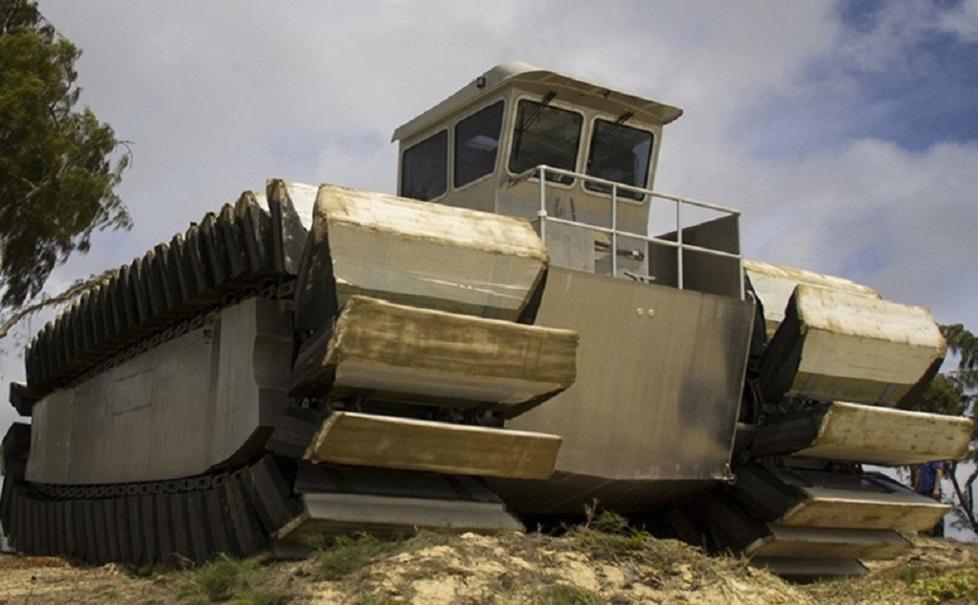 Tanque anfíbio: veículo monstro que anda sobre terra e água