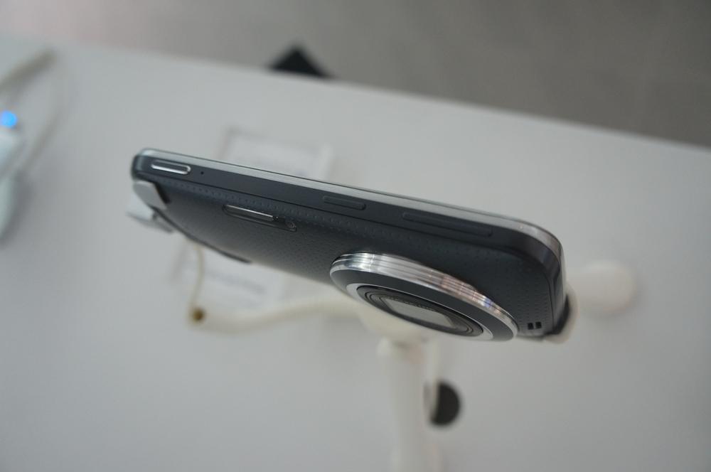 Samsung apresenta Galaxy K Zoom por R$ 2.099 no Brasil