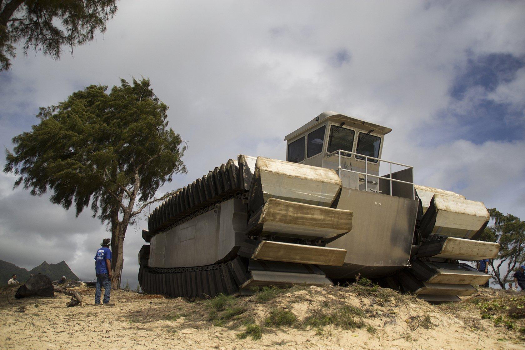 Assustador: EUA mostra novo protótipo de veículo anfíbio gigantesco [vídeo]