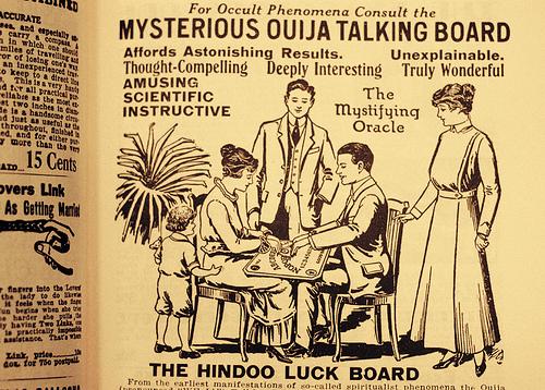 Resultado de imagem para tabuleiro ouija