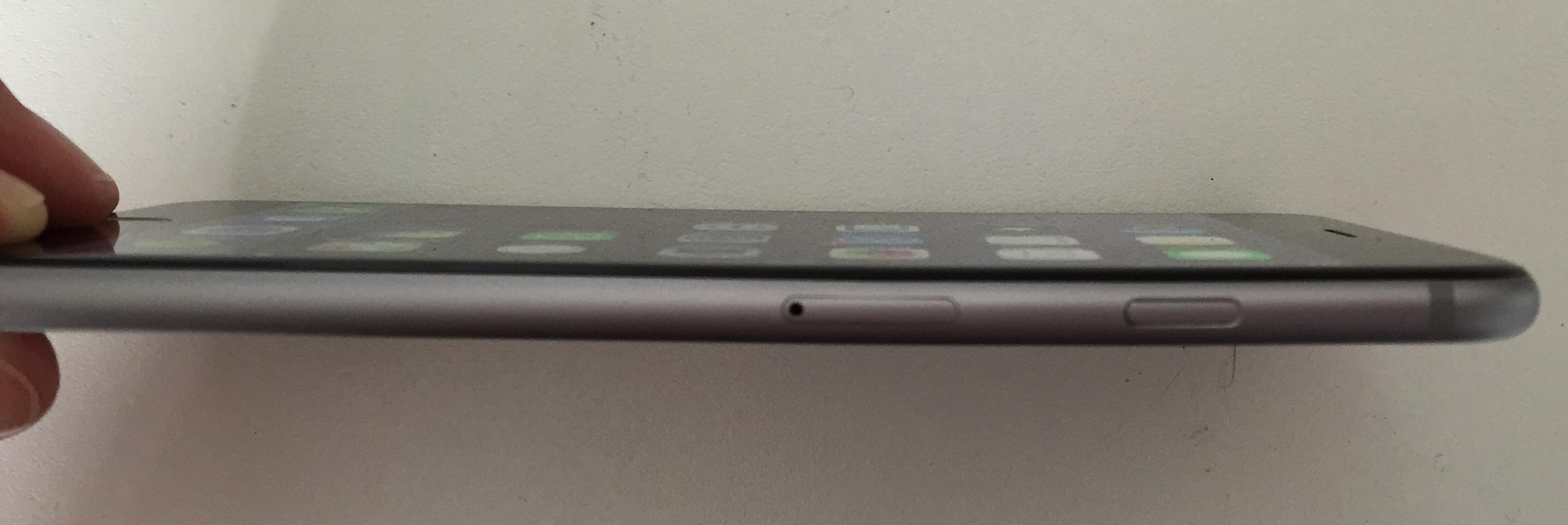 Donos de iPhones 6 estão dobrando os celulares acidentalmente nos bolsos