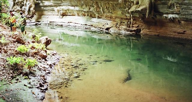 Cavernas -  espalhadas pelo mundo 02085054573008
