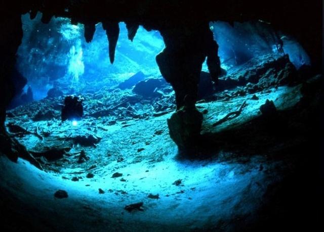 Cavernas -  espalhadas pelo mundo 02085136304010
