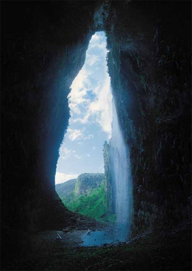 Cavernas -  espalhadas pelo mundo 02085258563014