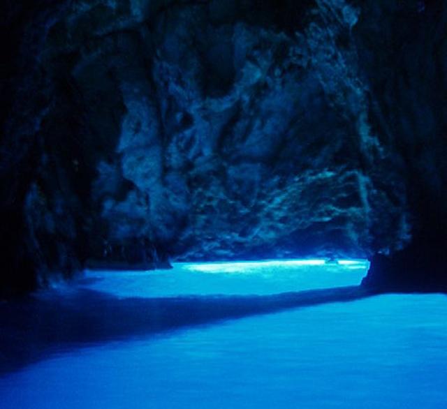 Cavernas -  espalhadas pelo mundo 02085426080018