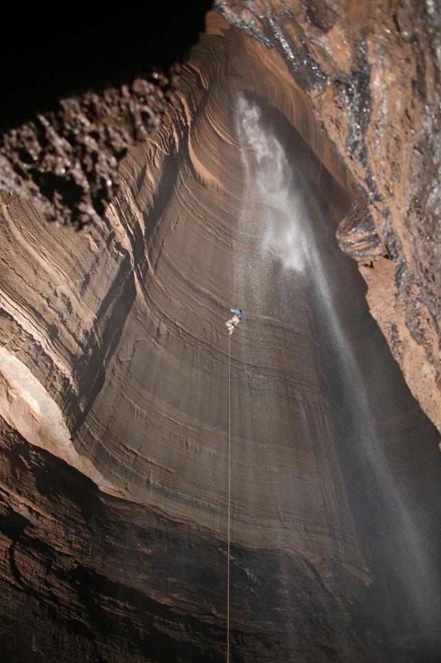 Cavernas -  espalhadas pelo mundo 02085455970019