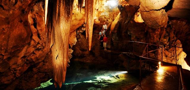 Cavernas -  espalhadas pelo mundo 02085627199023