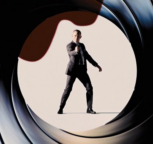 James Bond e mistérios no primeiro trailer de '007 Contra SPECTRE'