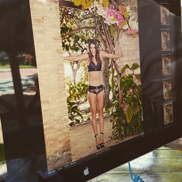 Priscila Fantin fica chocada com vazamento de fotos suas sem Photoshop