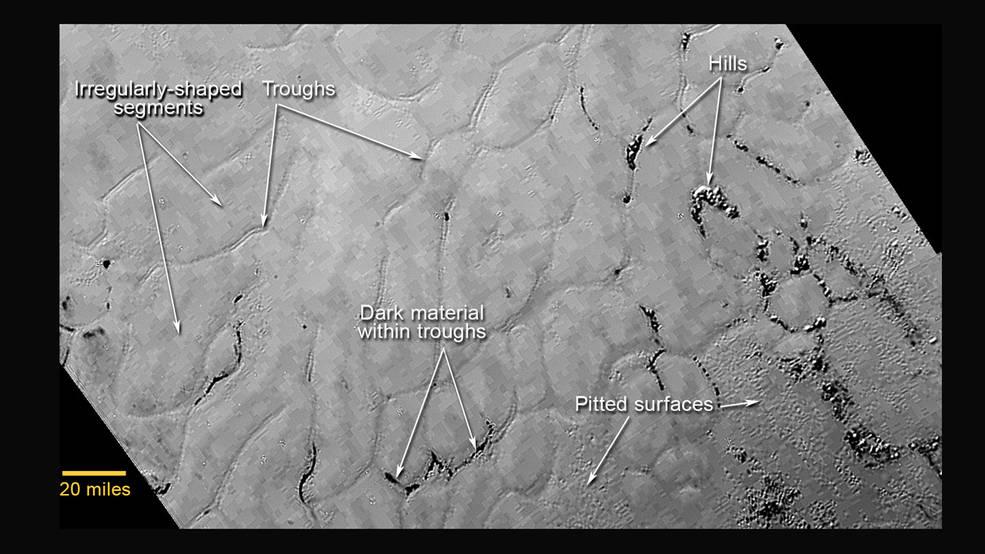 """A região, batizada de """"Sputnik Planum"""" em homenagem ao primeiro satélite a orbitar na Terra."""