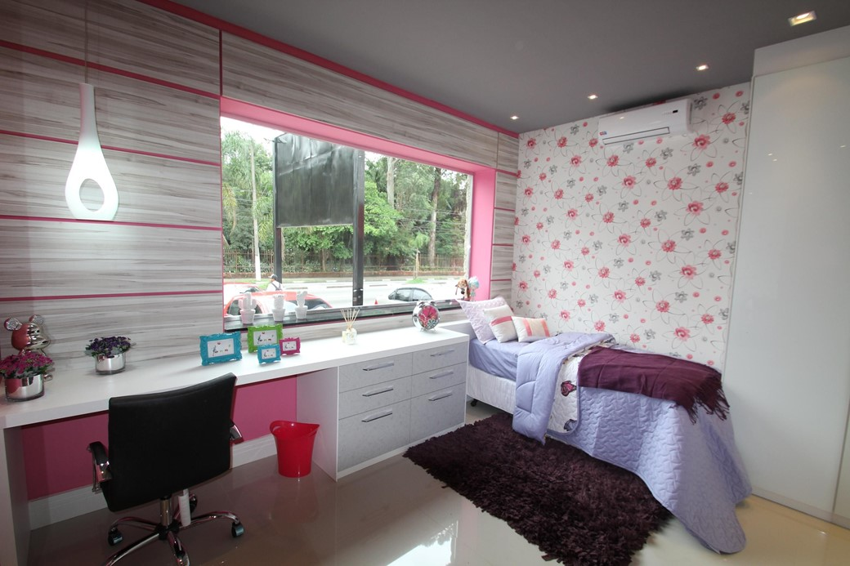 24 inspirações de papéis de parede para quarto feminino