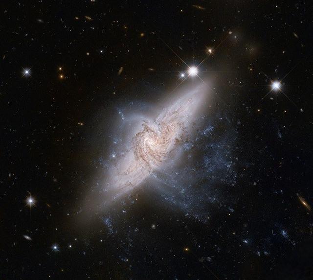 17 galáxias lindas que farão você querer viajar pelo Universo agora mesmo