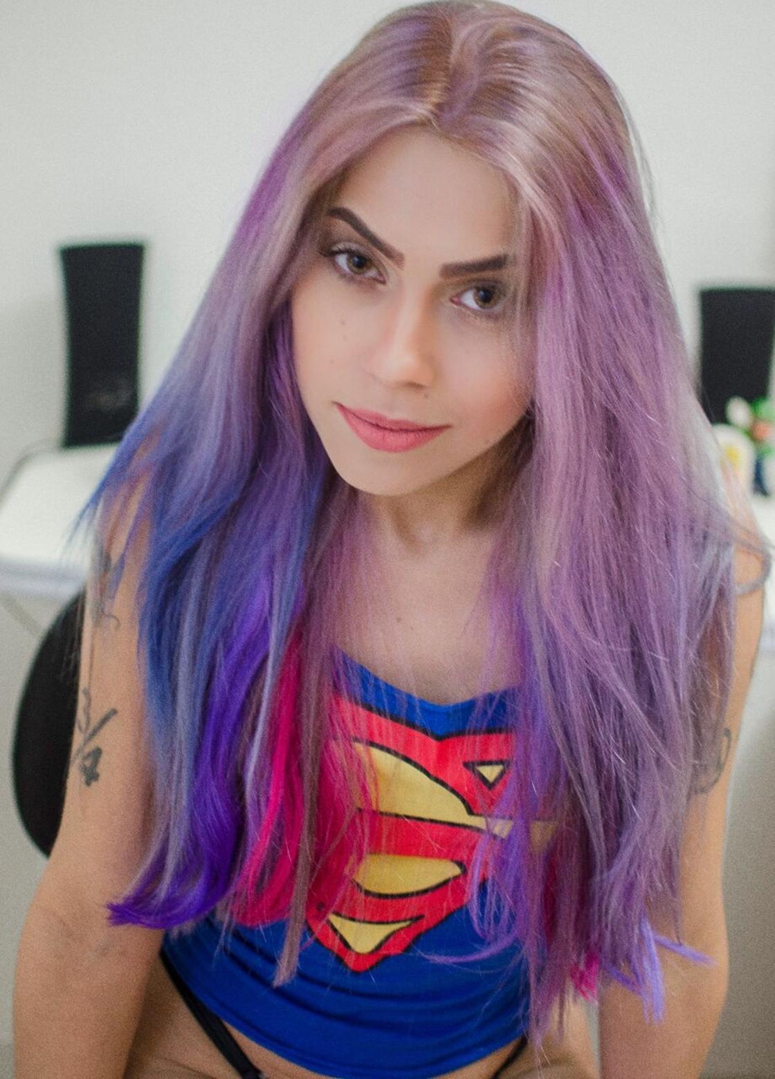 Atriz Bárbara Costa abandona carreira pornô e lança canal de cultura geek