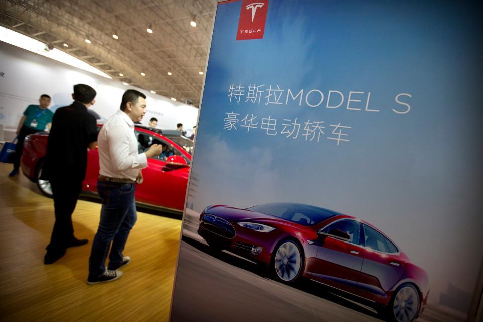 Made in China: Tesla quer produzir 500 mil carros anualmente no país