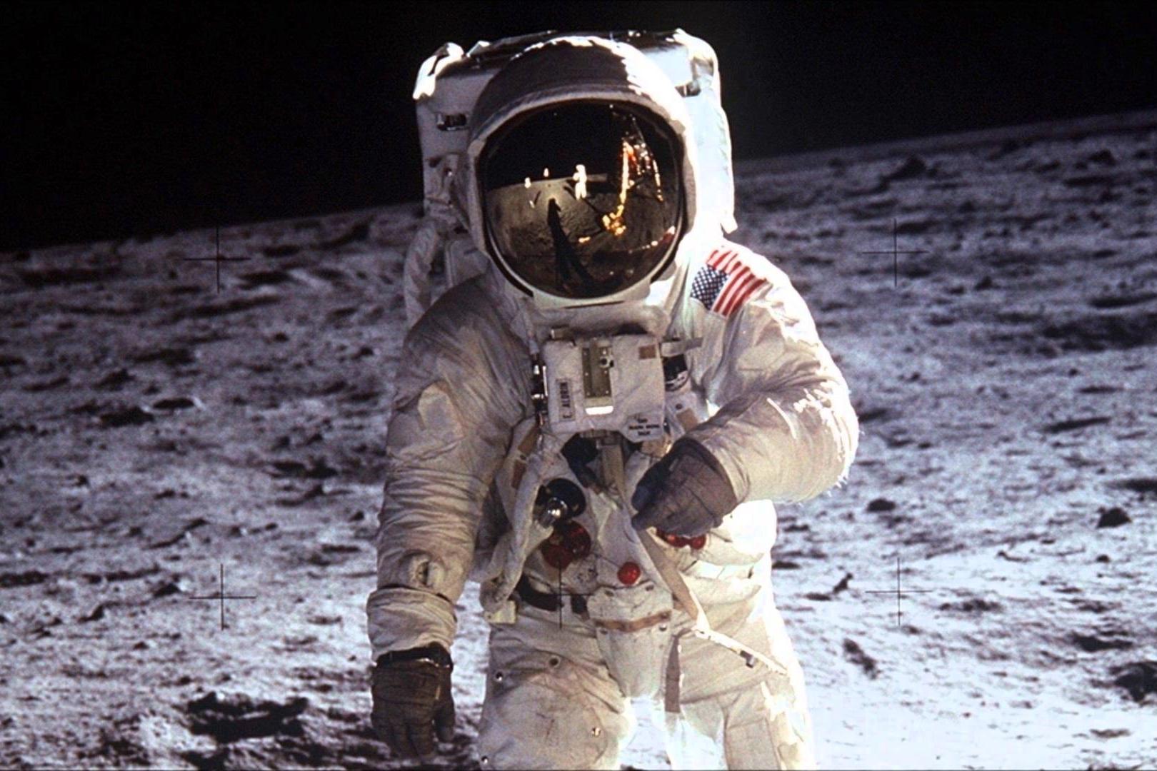Coleção particular do primeiro homem a pisar na Lua vai a leilão nos EUA