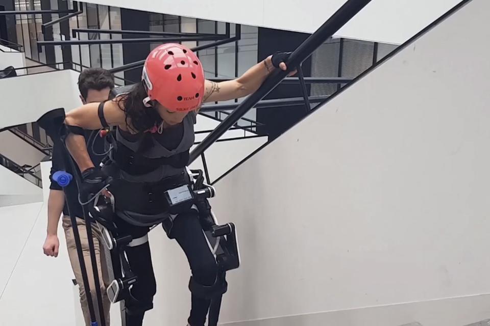 Conheça o exoesqueleto que pode fazer pessoas voltarem a andar